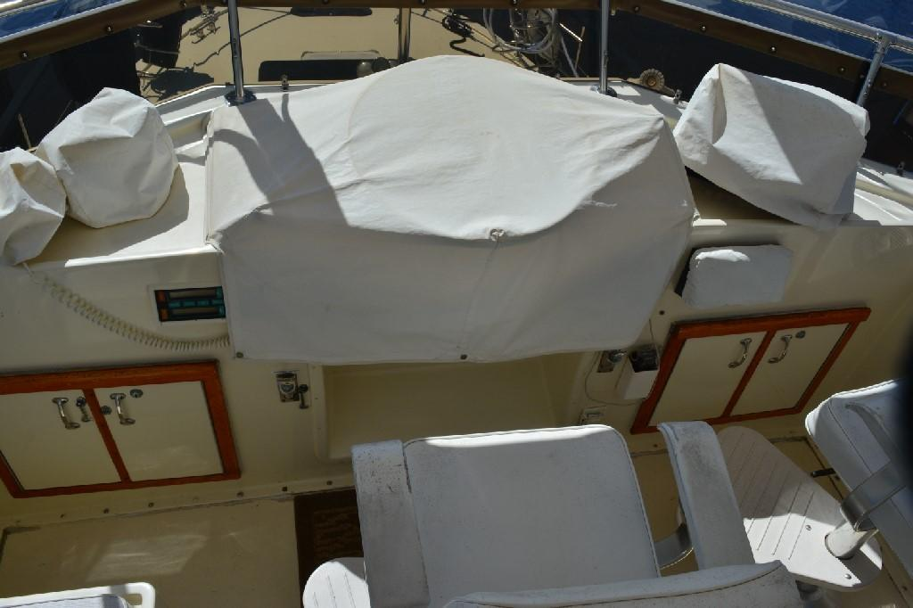 Hatteras 43 Motor Yacht - Helm Covers