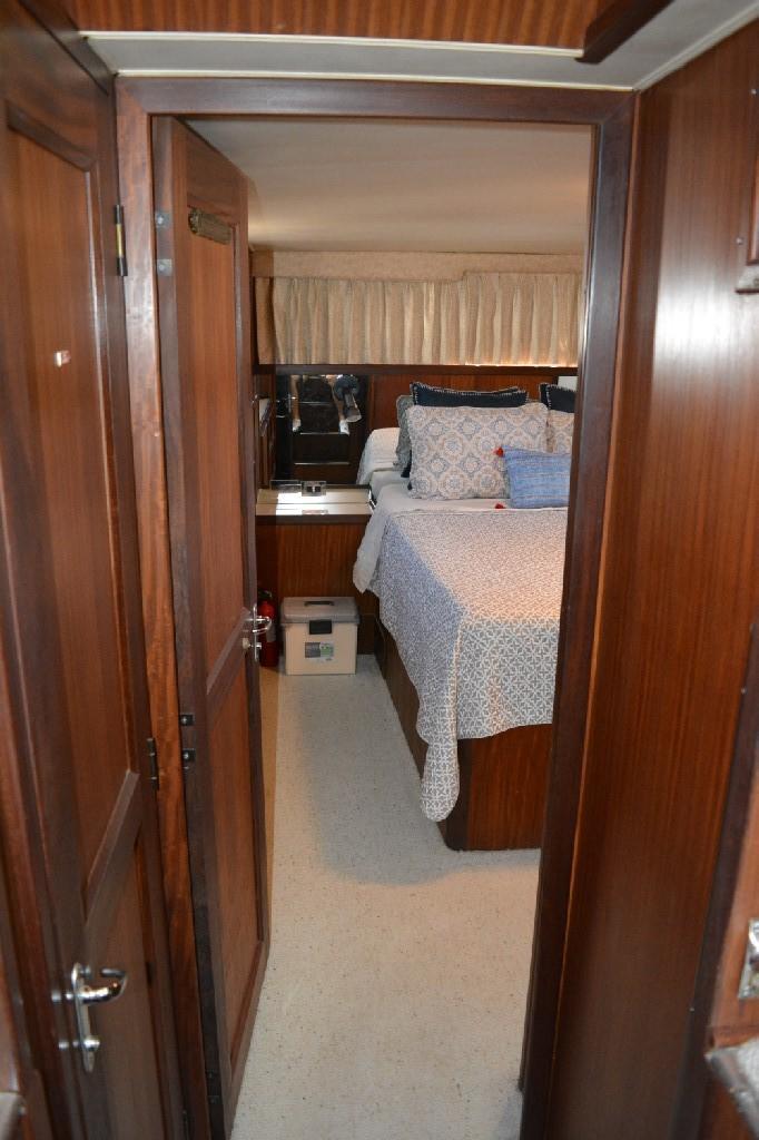 Hatteras 43 Motor Yacht - Aft Master Stateroom Entrance