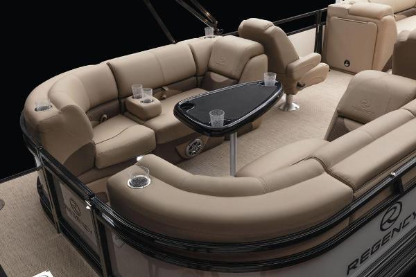 2021 Regency boat for sale, model of the boat is 230 DL3 & Image # 20 of 71