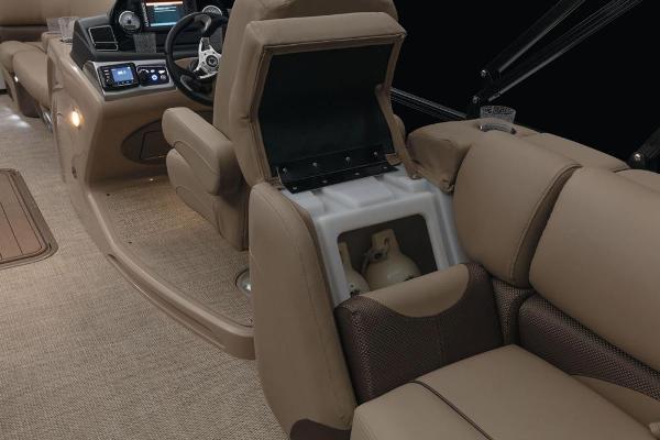 2021 Regency boat for sale, model of the boat is 230 DL3 & Image # 25 of 71