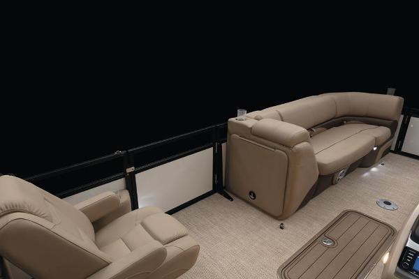 2021 Regency boat for sale, model of the boat is 230 DL3 & Image # 32 of 71