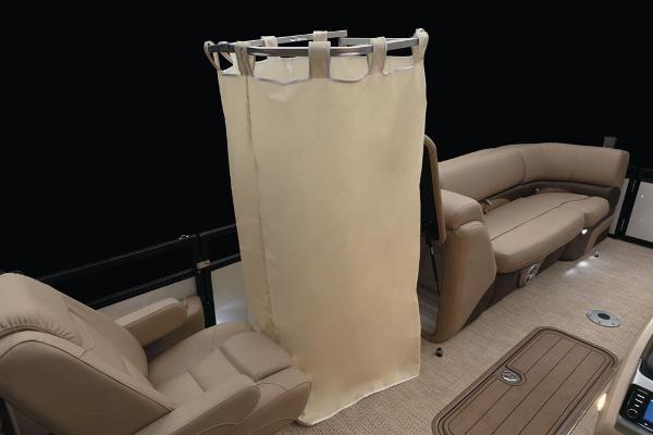 2021 Regency boat for sale, model of the boat is 230 DL3 & Image # 34 of 71