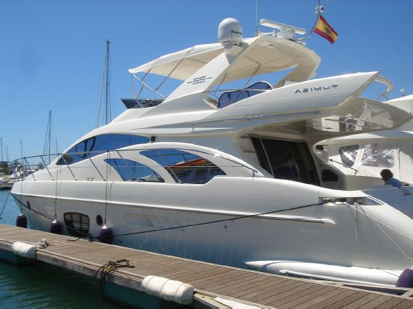 Azimut 55 E. Length: 17.5 meter. Model Year: 2006. Price: €680000
