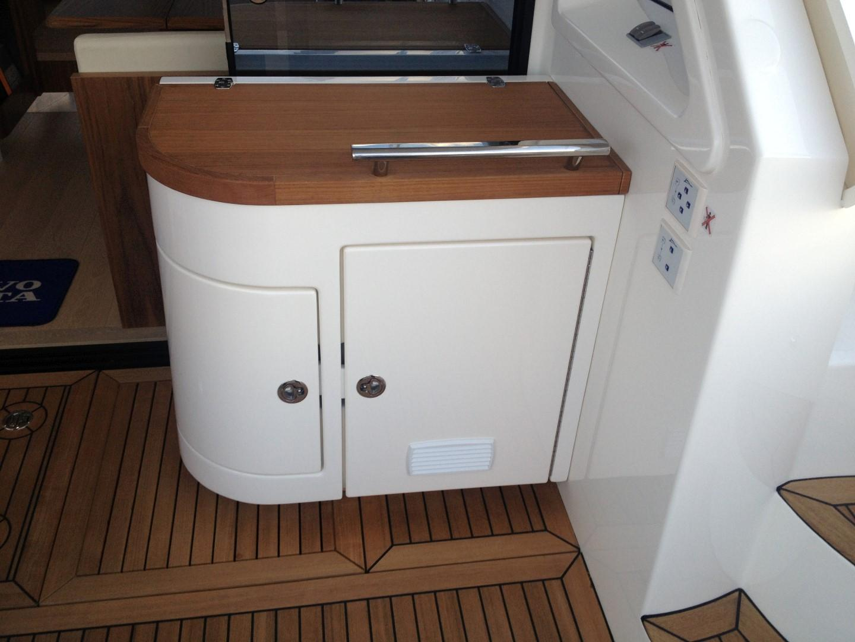 Bar on cockpit