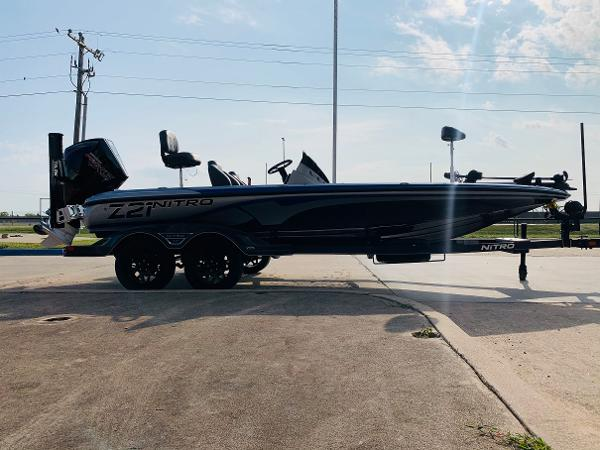 2021 Nitro boat for sale, model of the boat is Z21 Pro & Image # 3 of 59