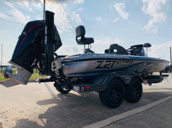 2021 Nitro boat for sale, model of the boat is Z21 Pro & Image # 4 of 59