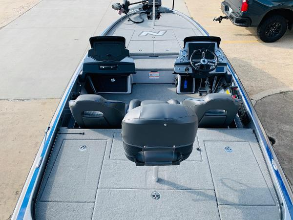 2021 Nitro boat for sale, model of the boat is Z21 Pro & Image # 11 of 59