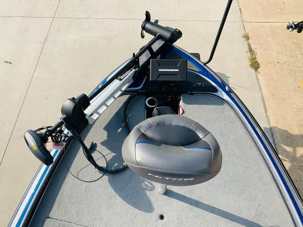 2021 Nitro boat for sale, model of the boat is Z21 Pro & Image # 13 of 59