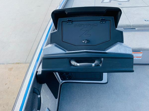 2021 Nitro boat for sale, model of the boat is Z21 Pro & Image # 30 of 59