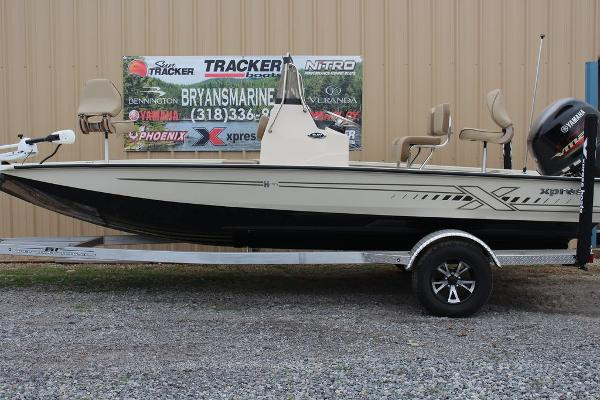 2021 Xpress boat for sale, model of the boat is H20B & Image # 4 of 10