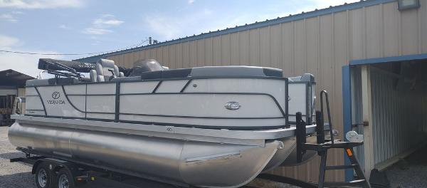 2021 Veranda boat for sale, model of the boat is VR22RC Deluxe Tri-Toon Package & Image # 1 of 34