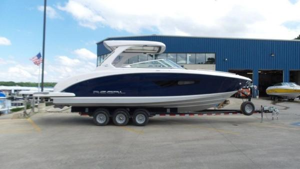 2020 Regal boat for sale, model of the boat is 3300 & Image # 2 of 51