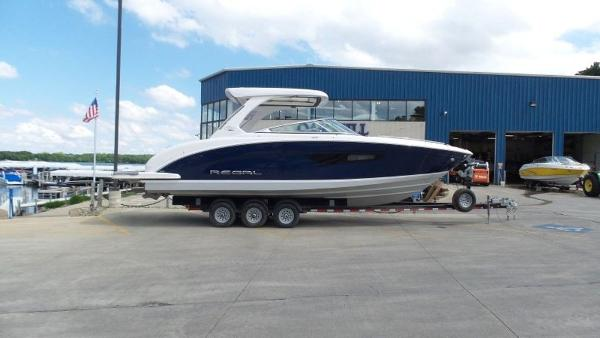 2020 Regal boat for sale, model of the boat is 3300 & Image # 4 of 51