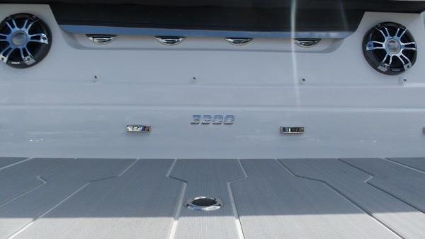 2020 Regal boat for sale, model of the boat is 3300 & Image # 12 of 51
