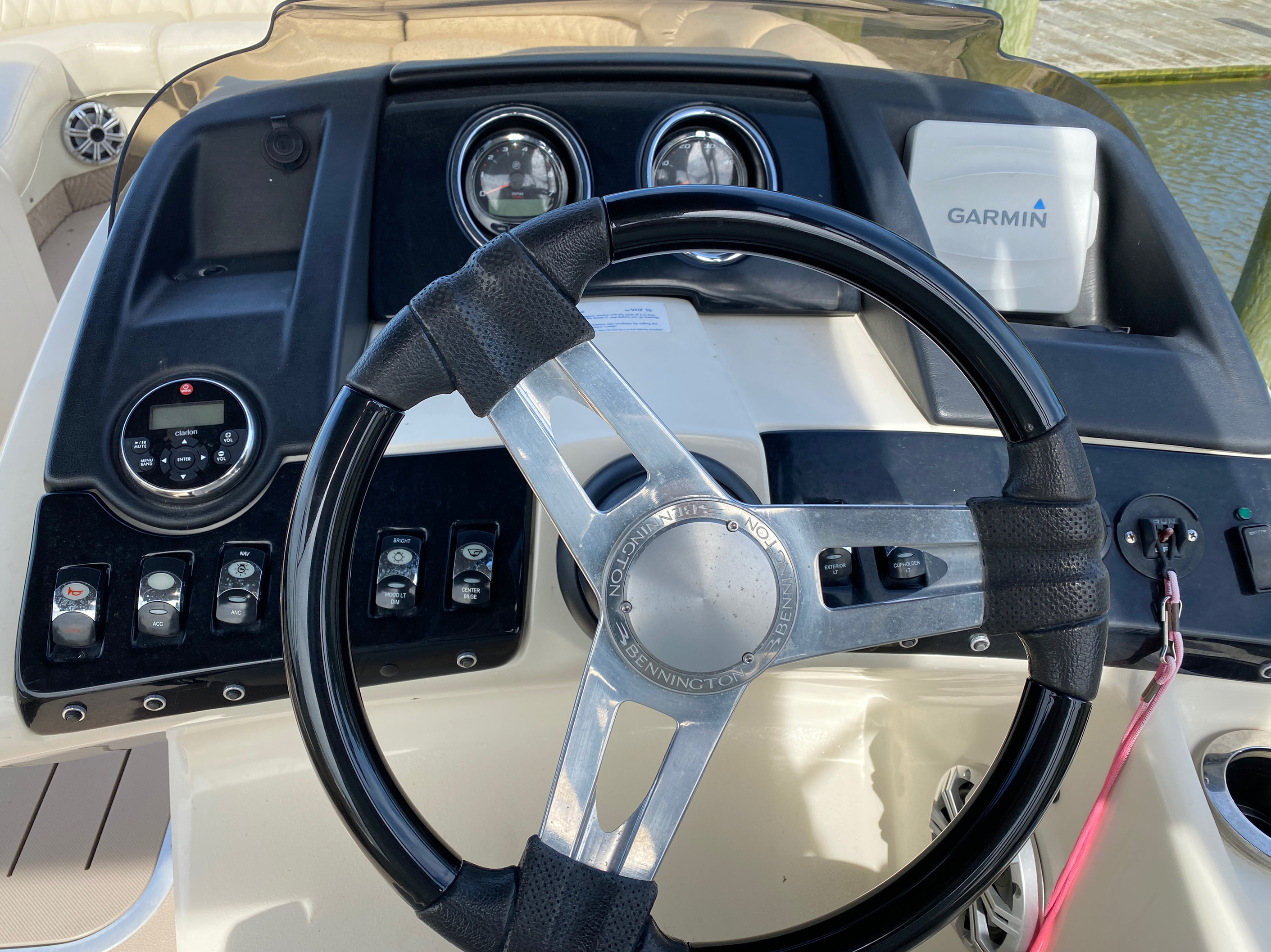 2014 Bennington boat for sale, model of the boat is 2375 GCW Sport Arch & Image # 12 of 13