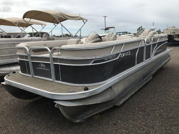 2018 Princecraft boat for sale, model of the boat is Vectra 23 & Image # 1 of 10