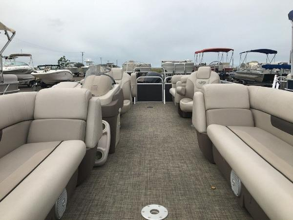 2018 Princecraft boat for sale, model of the boat is Vectra 23 & Image # 4 of 10