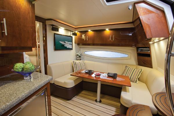 2015 Regal boat for sale, model of the boat is 42 Sport Coupe & Image # 17 of 20