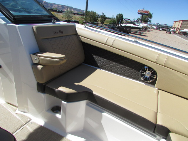 2020 Sea Ray boat for sale, model of the boat is 270 SDX & Image # 17 of 21