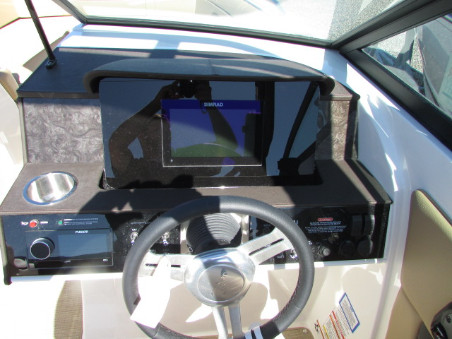 2020 Sea Ray boat for sale, model of the boat is 270 SDX & Image # 4 of 21