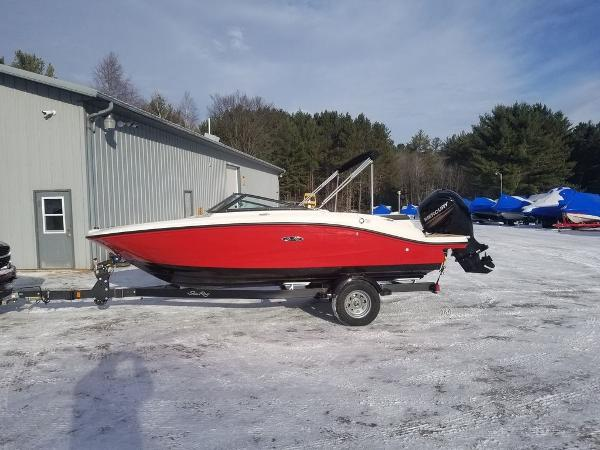 2019 Sea Ray boat for sale, model of the boat is SPX 190 OB & Image # 1 of 18