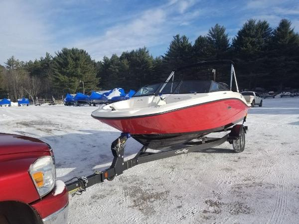2019 Sea Ray boat for sale, model of the boat is SPX 190 OB & Image # 9 of 18