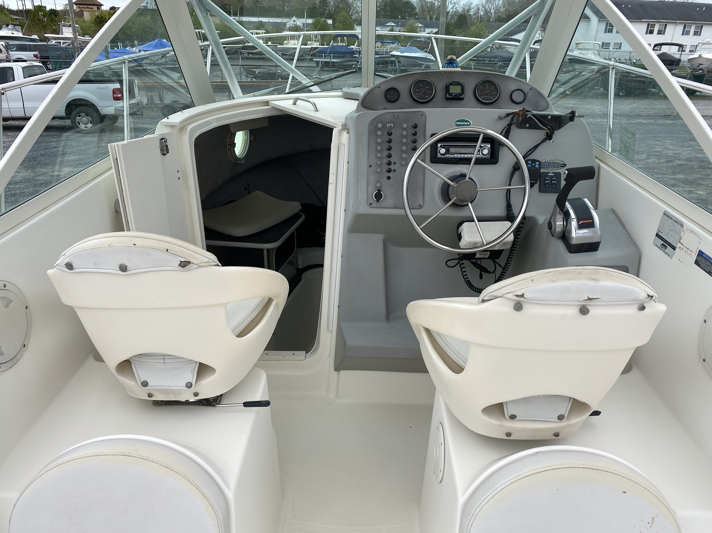 2005 Trophy Marine boat for sale, model of the boat is 2302 Walkaround & Image # 14 of 17