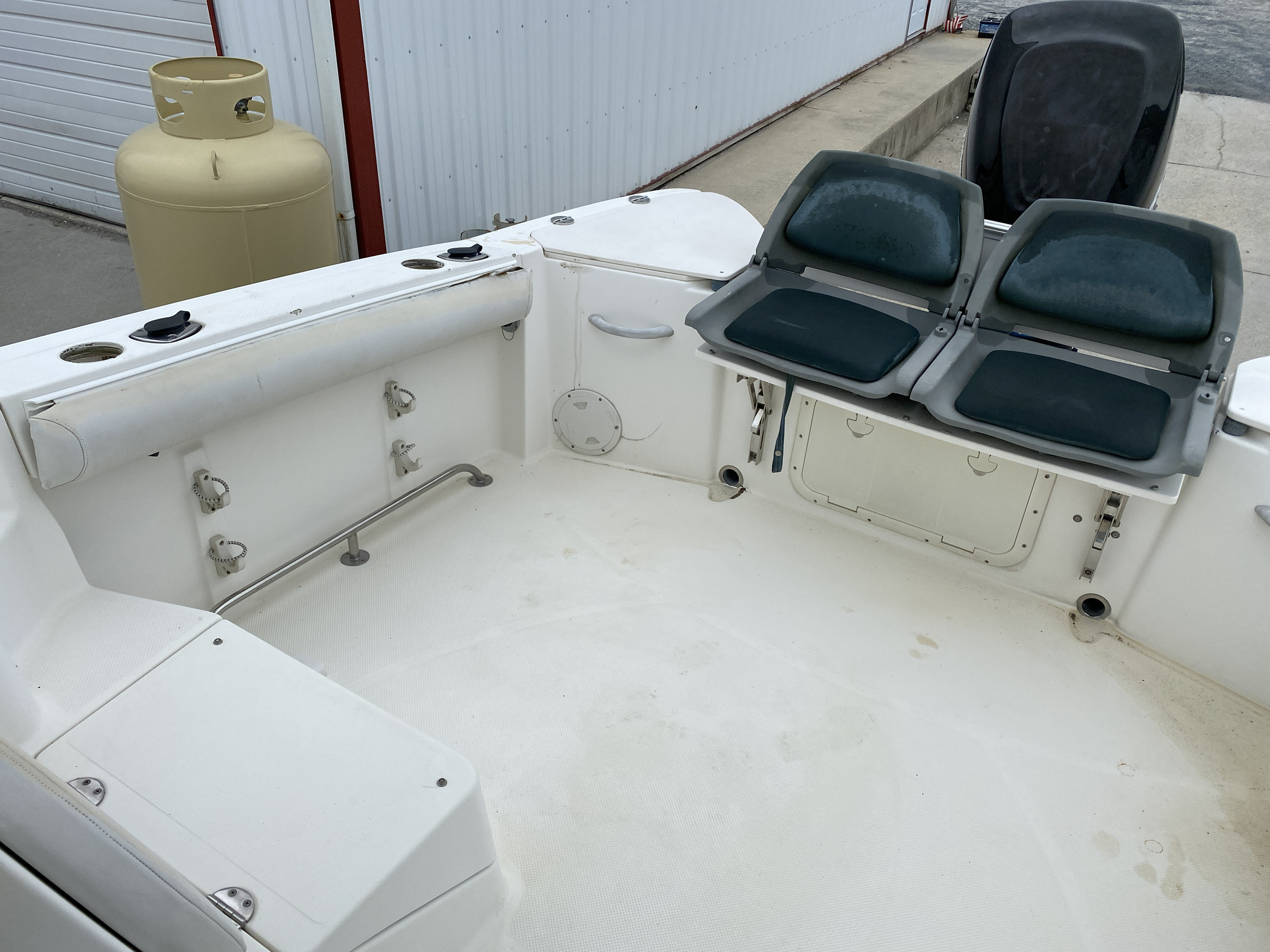 2005 Trophy Marine boat for sale, model of the boat is 2302 Walkaround & Image # 3 of 17