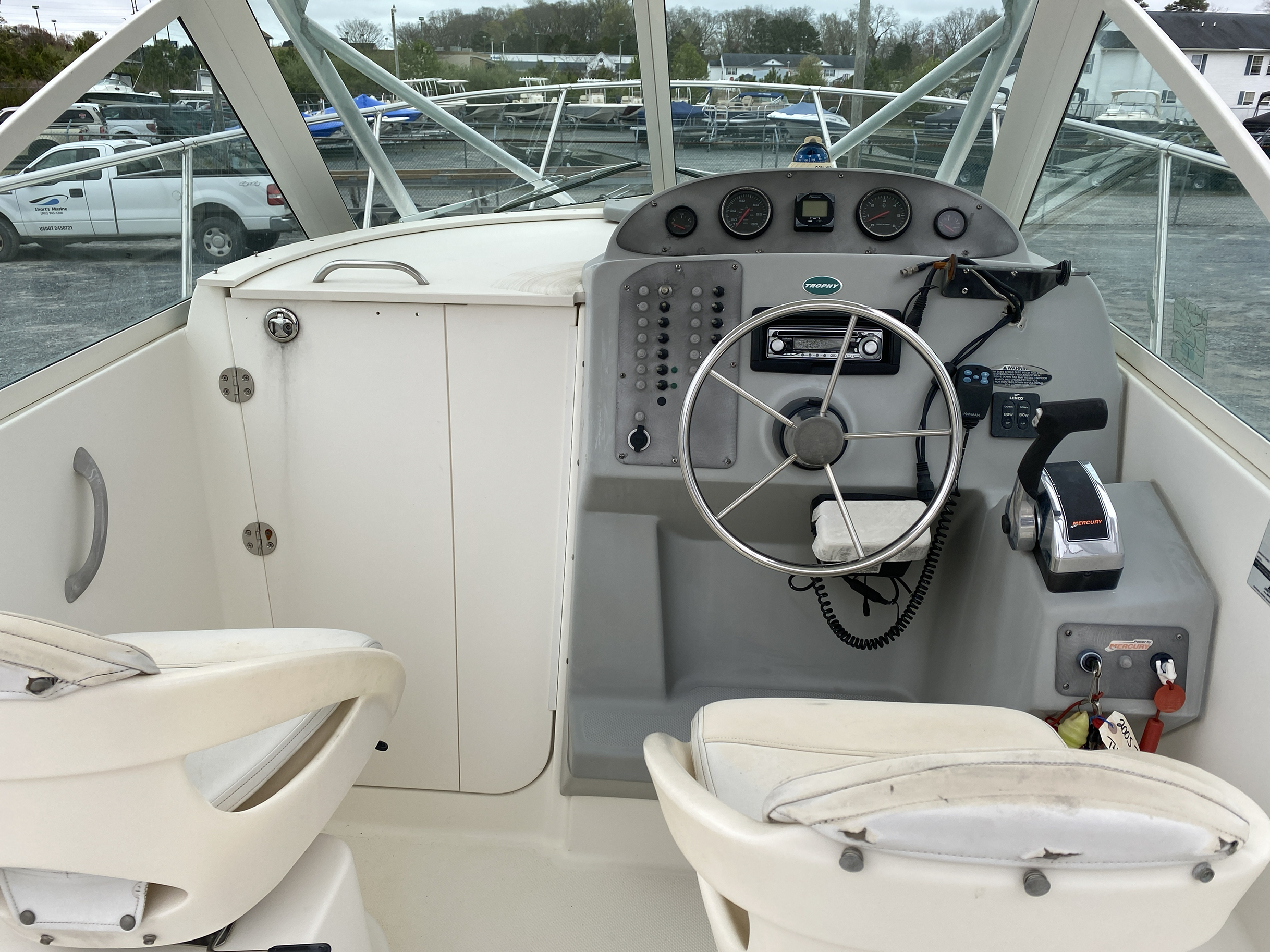 2005 Trophy Marine boat for sale, model of the boat is 2302 Walkaround & Image # 5 of 17