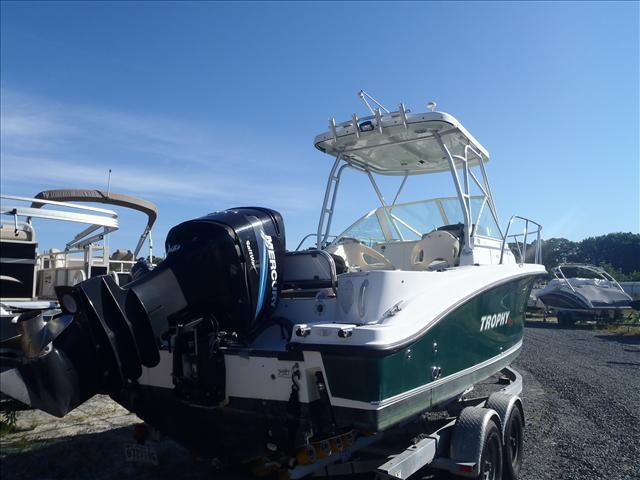 2005 Trophy Marine boat for sale, model of the boat is 2302 Walkaround & Image # 7 of 17