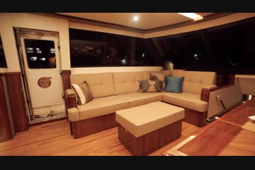 Riviera 72 Sports Motor Yachtvideo