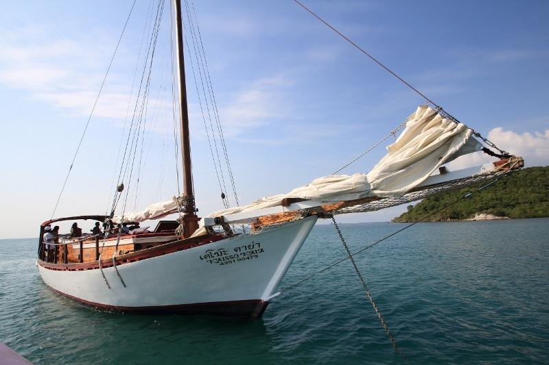 20m Teak Wood Sloop-1