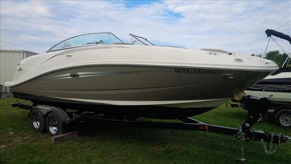 For Sale: 2007 Sea Ray 260 Sundeck 26.33ft<br/>Pride Marine - Ottawa