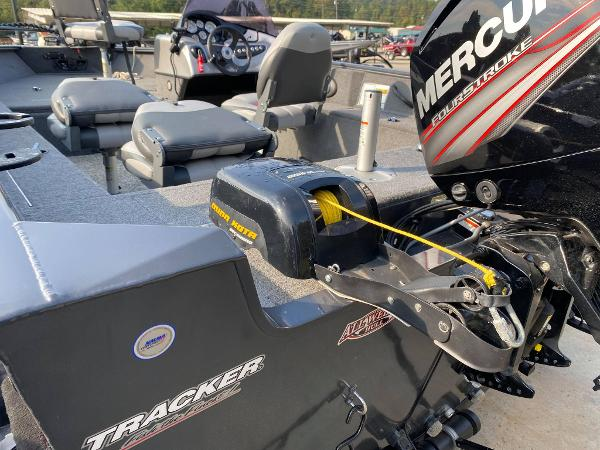 2015 Tracker Boats boat for sale, model of the boat is Pro Guide V-175 SC & Image # 8 of 9