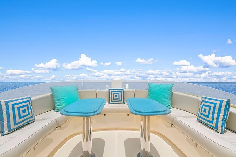 74' Mochi Craft Flybridge Seating