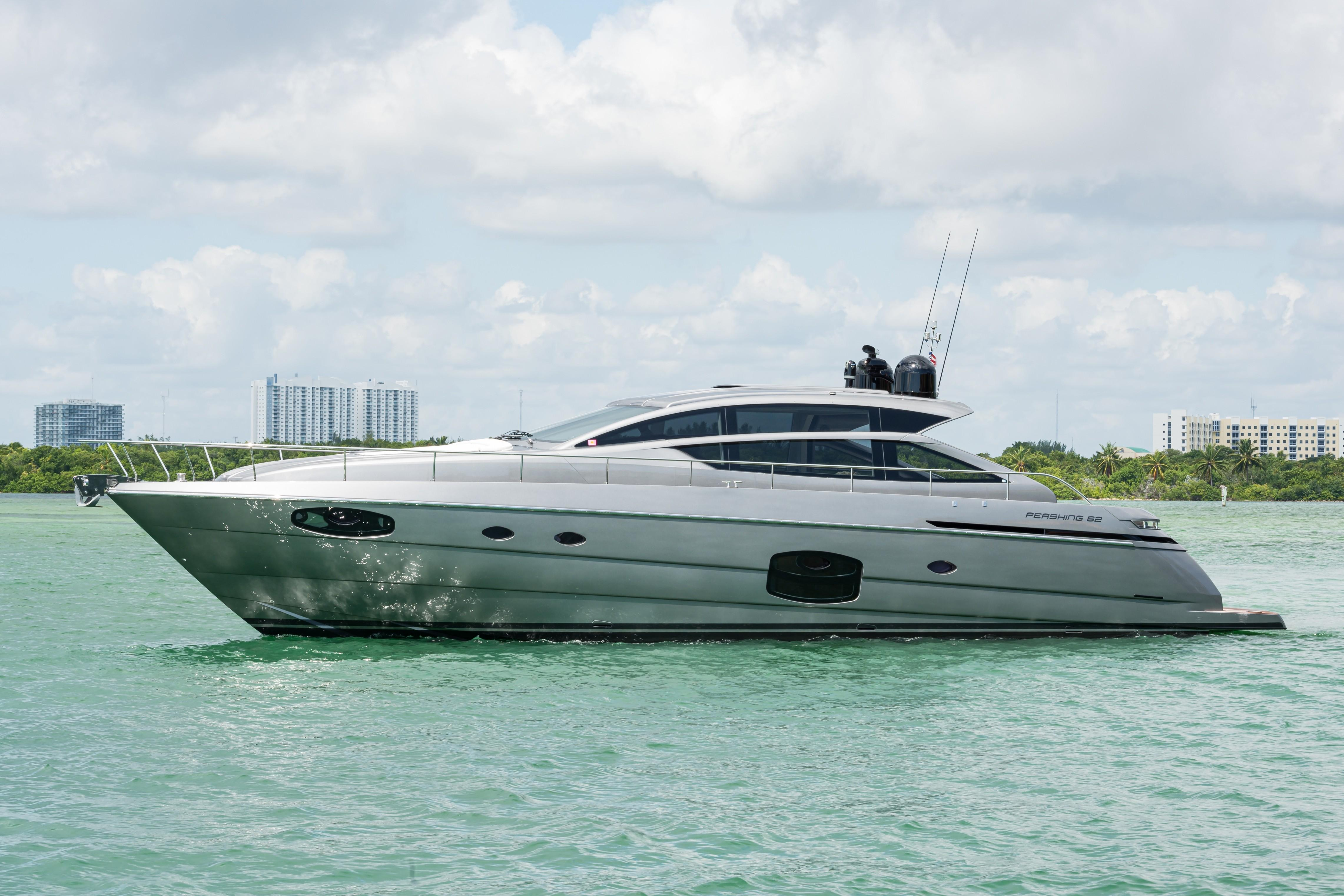 2016 Pershing 62 - Profile