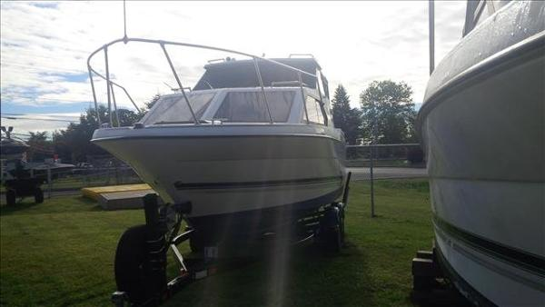 1996 Bayliner boat for sale, model of the boat is Ciera 2452 & Image # 3 of 13