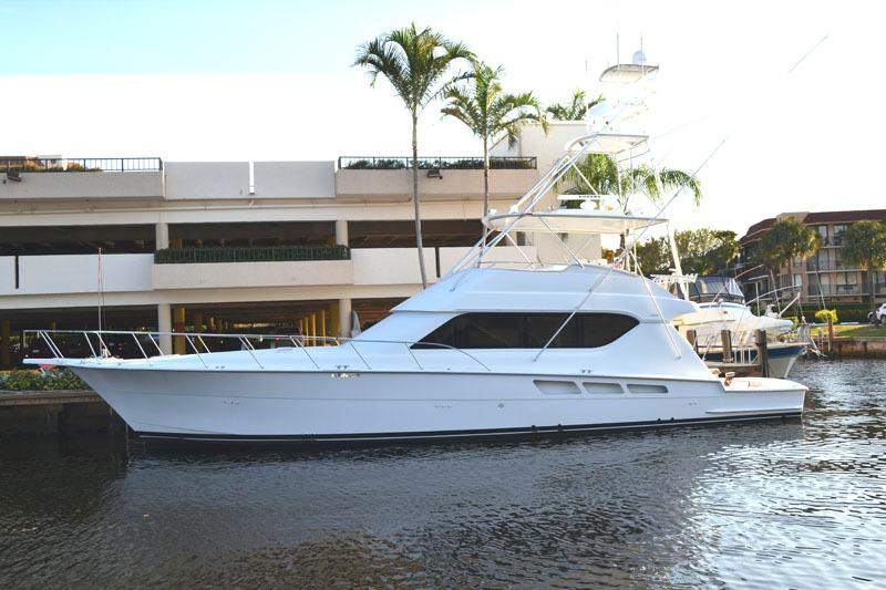 2001 Hatteras 65 Convertible w cats