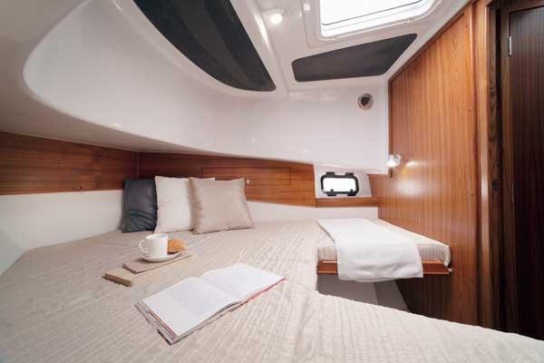 Sargo 31 - froward cabin