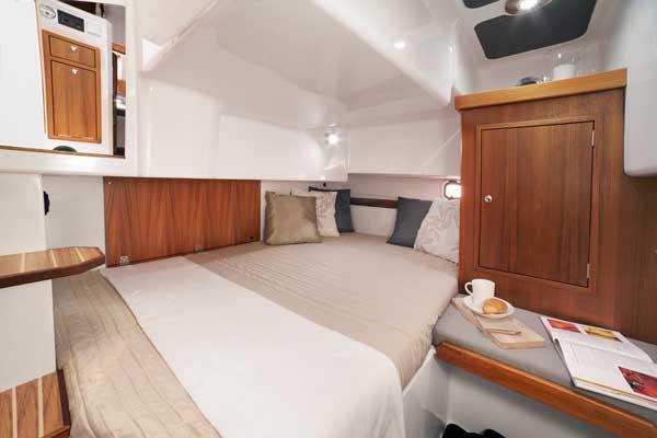 Sargo 31 manufacturer image - aft cabin