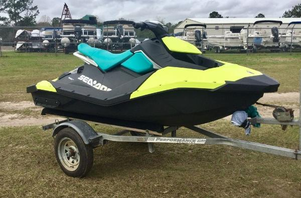 2018 Sea Doo PWC boat for sale, model of the boat is SPARK® 2-up Rotax 900 ACE & Image # 4 of 7