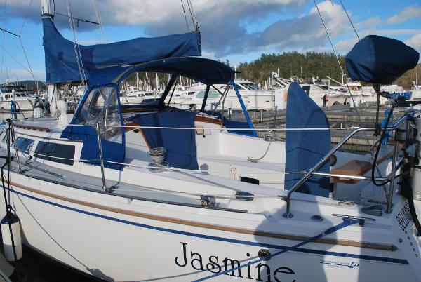 Picture Of:  36' Catalina Sloop 1991Yacht For Sale | 3 of 37