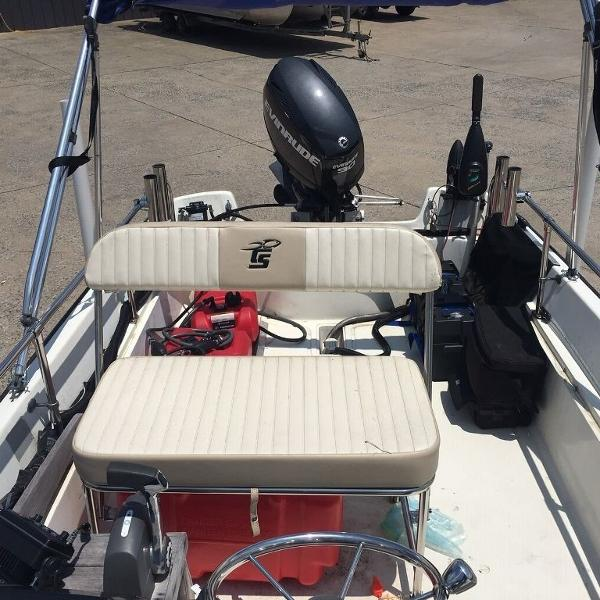 1974 Boston Whaler boat for sale, model of the boat is Currit & Image # 3 of 7