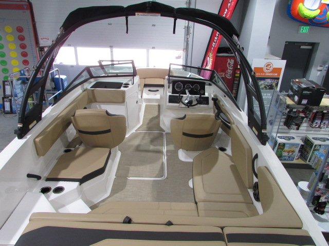 2020 Sea Ray boat for sale, model of the boat is 21 SPX & Image # 7 of 17