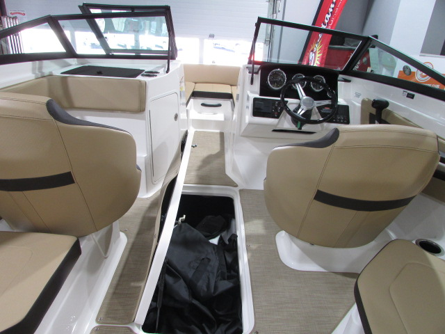 2020 Sea Ray boat for sale, model of the boat is 21 SPX & Image # 8 of 17
