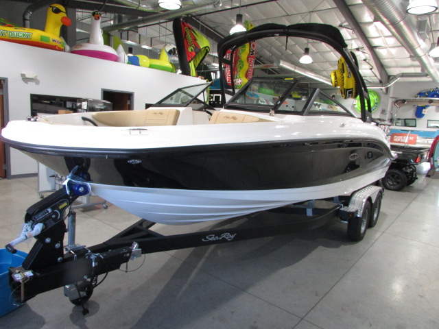 2020 Sea Ray boat for sale, model of the boat is 21 SPX & Image # 9 of 17