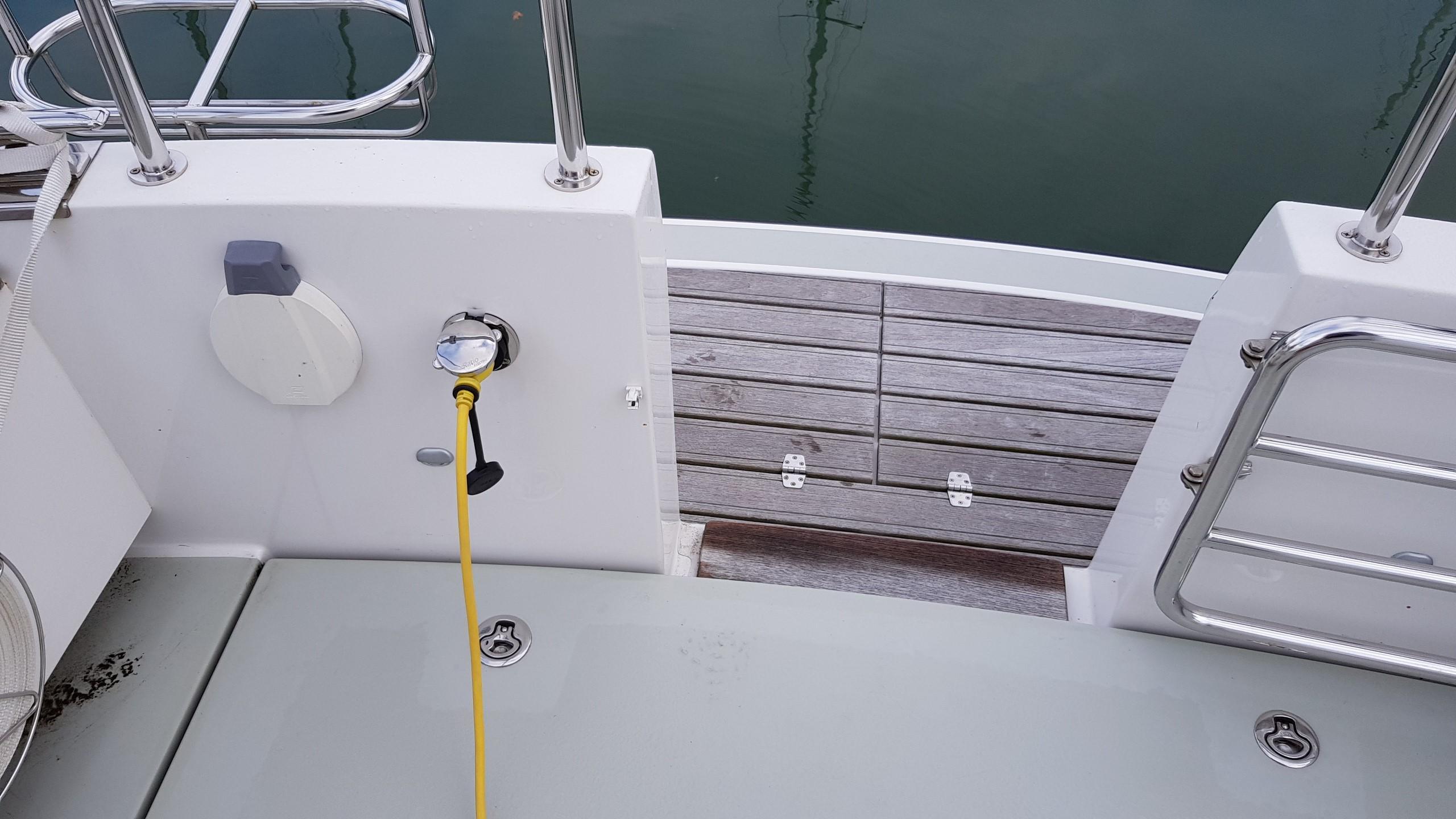Minor Offshore (Sargo) 28 - aft deck