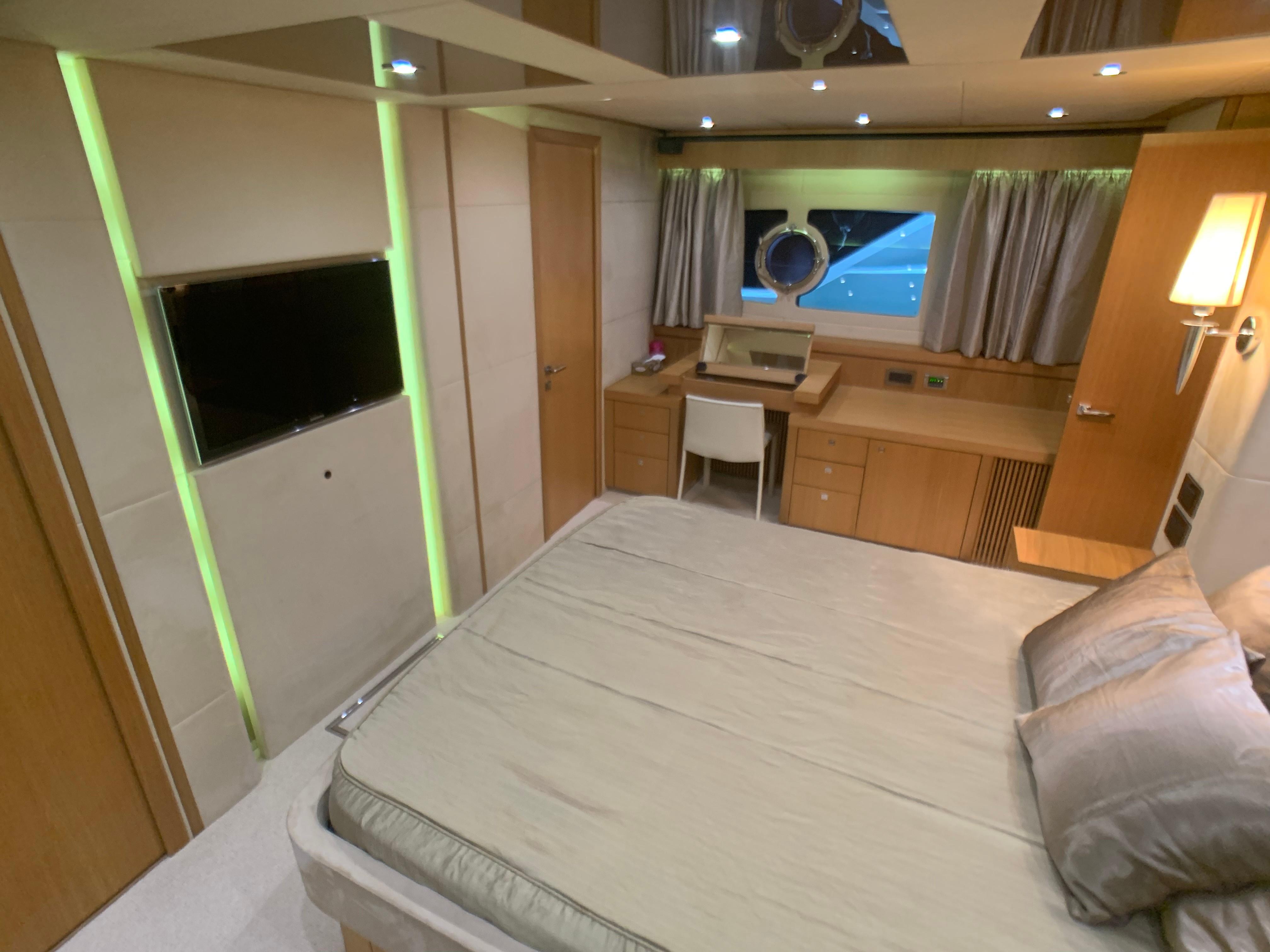 Manhattan 73 - Master Cabin