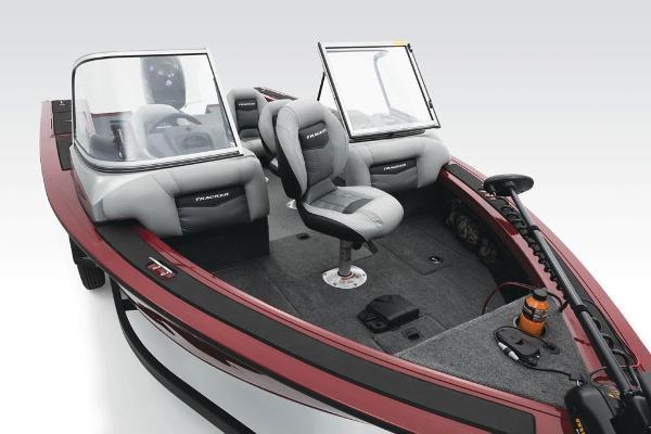 2018 Tracker Boats boat for sale, model of the boat is Targa V-18 Combo & Image # 42 of 59