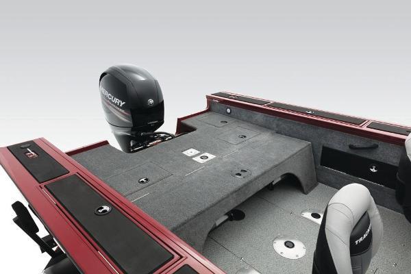 2018 Tracker Boats boat for sale, model of the boat is Targa V-18 Combo & Image # 52 of 59